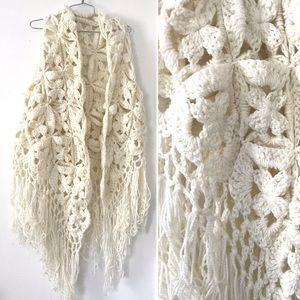 Vintage 1970's afghan fringe cape shawl scarf